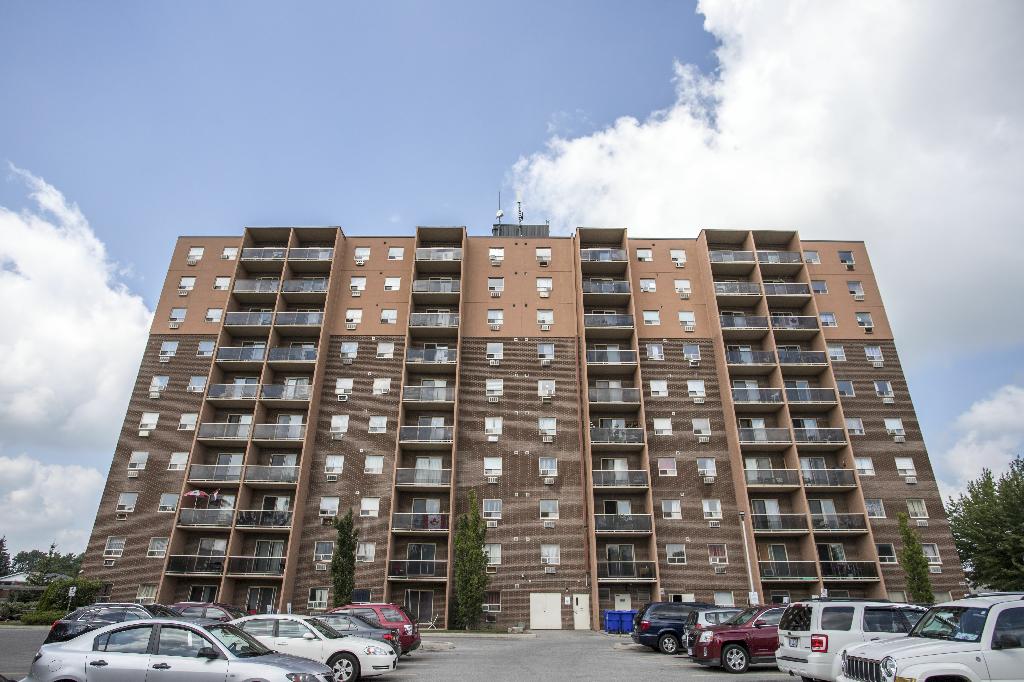 Ten story apartment building in St Thomas, Ontario