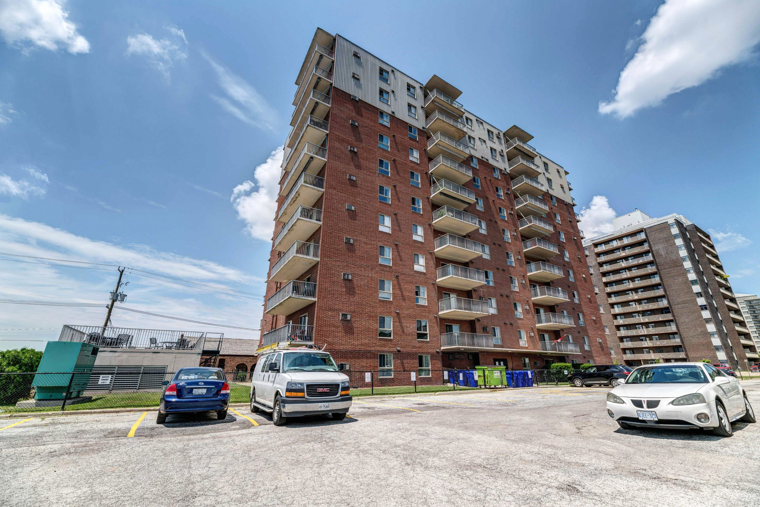 Eleven-storey apartment in Sarnia